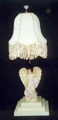 Lovely Angel.lamp (6961 Bytes)